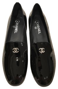Chanel Patent Loafer Moccasin Pearl Logo black Flats