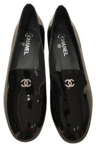 Chanel Patent Pearl Leather Moccasin Loafer black Flats