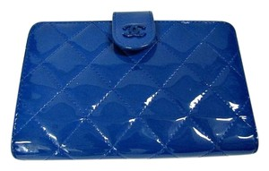 Chanel CHANEL FLAP WALLET CC ROYAL BLUE QUILTED PATENT 2015 BI-FOLD