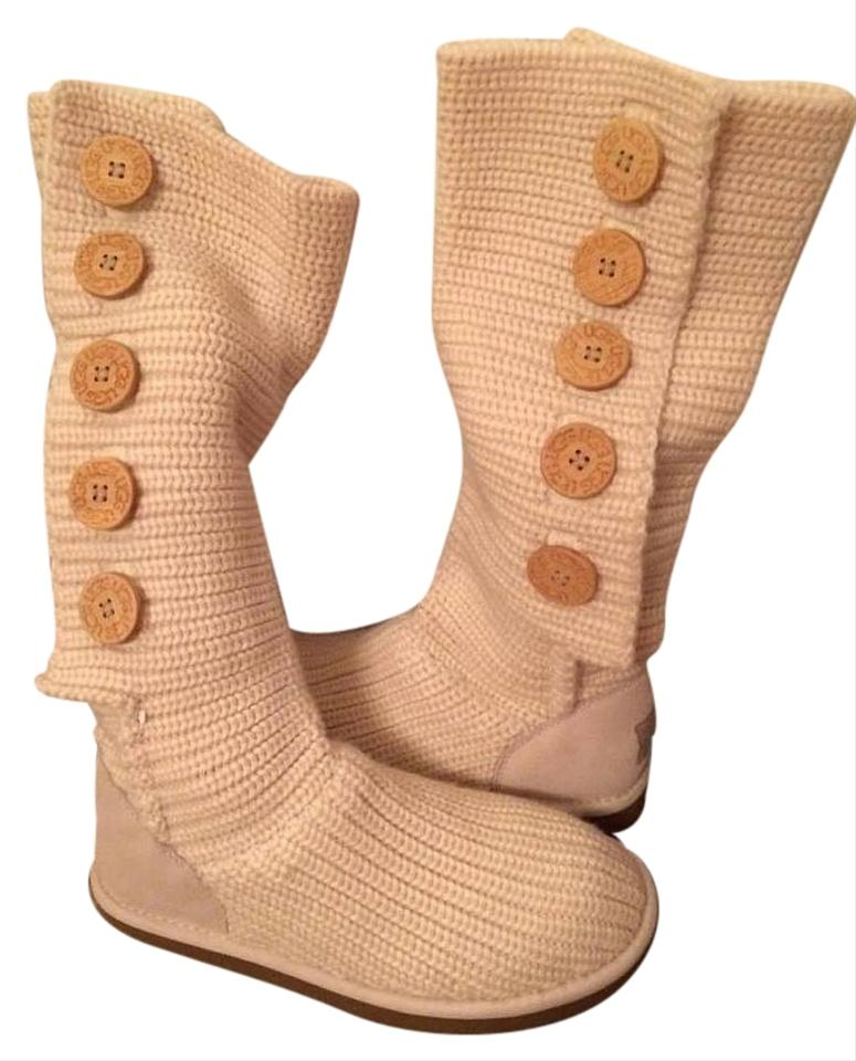 fceb33b13f6 White Knit Uggs Boots/Booties