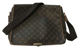Louis Vuitton Abbesses Monogram Canvas Messenger Bag