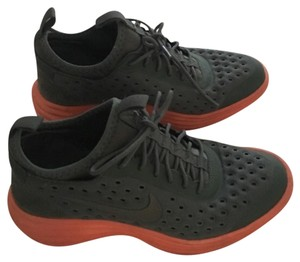Nike Hunter green suede and orange Athletic