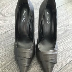 ALDO Gray Pumps