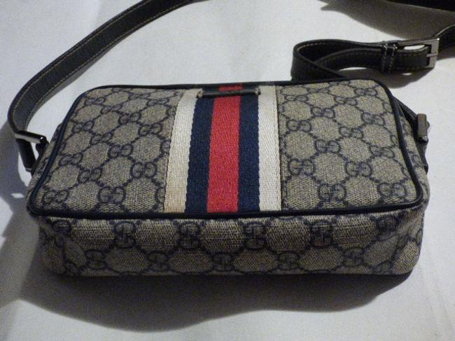Gucci Purses/Designer Purses Navy Large G Logo Print & Navy Leather with A Wide Red & Navy Stripe Coated Canvas Cross Body Bag Gucci Purses/Designer Purses Navy Large G Logo Print & Navy Leather with A Wide Red & Navy Stripe Coated Canvas Cross Body Bag Image 3