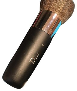 Dior Backstage Brushes: Kabuki' Makeup Brush