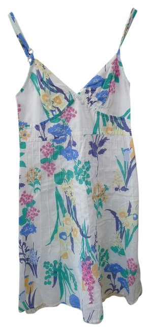 Preload https://img-static.tradesy.com/item/2029886/american-eagle-outfitters-floral-above-knee-short-casual-dress-size-2-xs-0-0-650-650.jpg