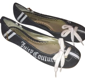 Juicy Couture Navy & White Flats