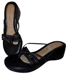 Tommy Hilfiger Signature Structured Leather Classic Strappy Black Sandals