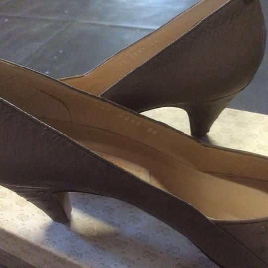 Gucci Taupe Pumps Image 3