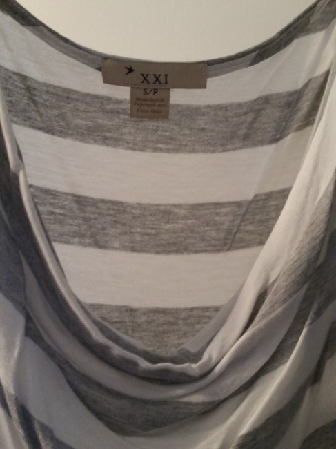 Forever 21 T Shirt striped grey and white