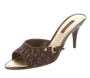 Louis Vuitton Gold Hardware Lv Monogram Peep Toe Bow Patent Leather Brown, Beige Athletic