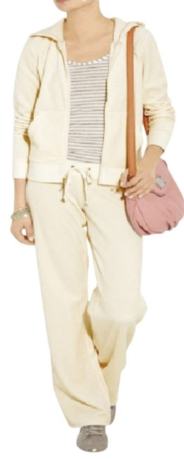 Preload https://img-static.tradesy.com/item/2030056/juicy-couture-cream-iconic-velour-hoodie-long-sleeve-zipup-activewear-size-8-m-29-30-0-0-650-650.jpg