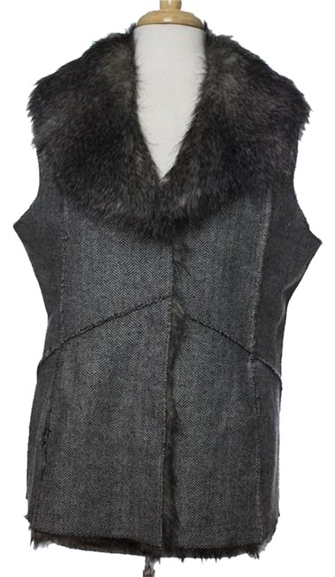 Preload https://item3.tradesy.com/images/black-ombre-gray-sale-new-lg-reversible-long-faux-fur-herringbone-tweed-raw-seams-and-edges-vest-siz-2030097-0-0.jpg?width=400&height=650