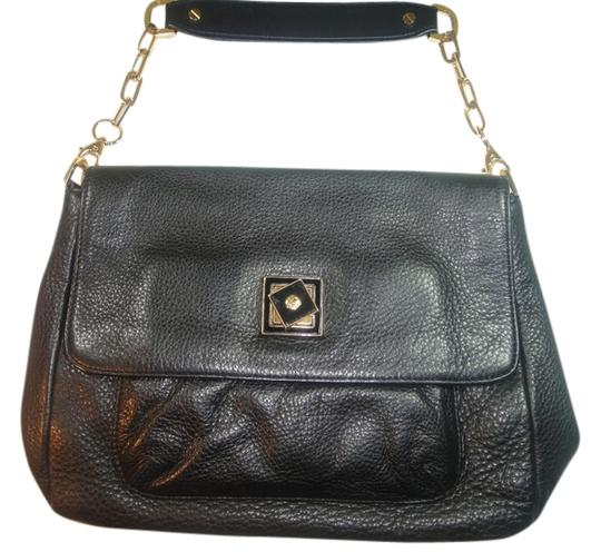 Preload https://item1.tradesy.com/images/tory-burch-bermuda-soft-pebbled-with-high-polished-gold-tone-hardware-black-leather-messenger-bag-2030140-0-0.jpg?width=440&height=440