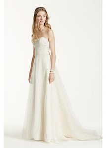 David's Bridal Ivory/Champagne Lace/Tulle Strapless A-line Beaded Feminine Wedding Dress Size 8 (M)