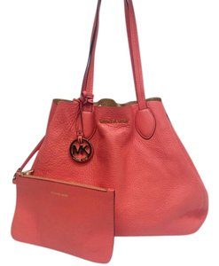 Michael Kors Tote in Pink Coral