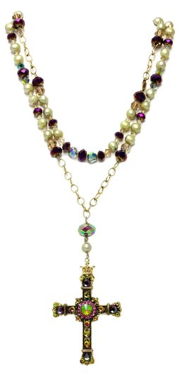Preload https://img-static.tradesy.com/item/20301959/magenta-and-lime-gold-rosary-cross-crystal-necklace-0-0-540-540.jpg