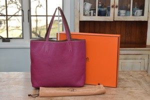 Hermès Reversible Clemence Leather Tosca Tote in Pink / Brown