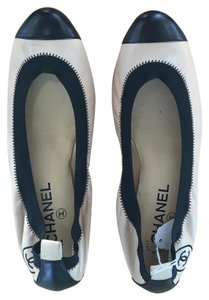 Chanel Spirit Beige/Black Flats