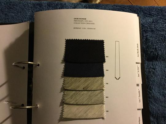 Dior Dior homme 2011 look book catalog with 300 material samples. Ultra rare Dior collectible