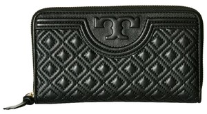 Tory burch Fleming zip continental around wallet blackQuilted