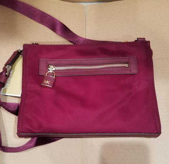 Michael Kors Cross Body Bag Image 8