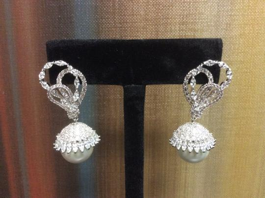 Other 14mm Shell Pearl Cubic Zirconia Fashion Post Earring Simulated Diamond Image 3