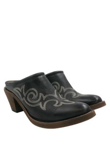 Lucchese black Mules