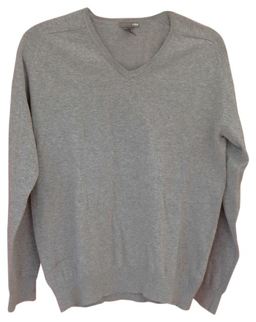Preload https://img-static.tradesy.com/item/2030398/h-and-m-gray-sweaterpullover-size-8-m-0-0-650-650.jpg