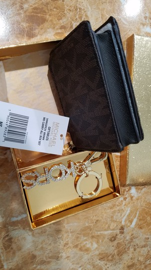 Michael Kors Michael Kors carryall coin wallet key chain gift set Image 7