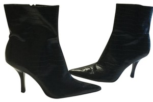 Nine West Lining Padded Insoles Black embossed leather snake pattern pointed ankle Boots