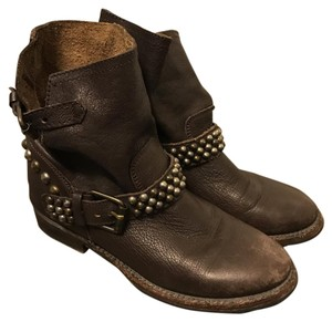 Ash Taupe/Medium Brown Boots