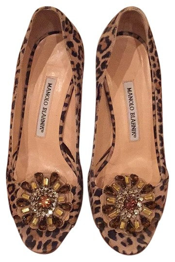 Preload https://img-static.tradesy.com/item/20305532/manolo-blahnik-leopard-farinelli-pumps-size-us-65-regular-m-b-0-1-540-540.jpg