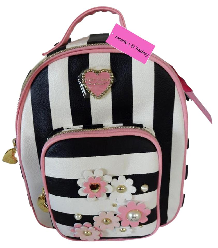 6143df284d41 Black And Pink Flower Backpack- Fenix Toulouse Handball