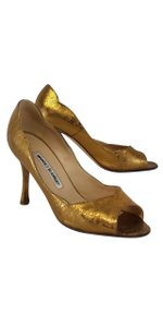 Manolo Blahnik Gold Metallic Leather Pumps
