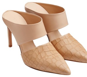 Vince Nude Pumps