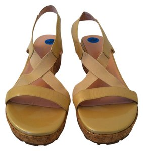Taryn Rose Light Gold Sandals