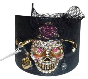 Betsey Johnson NEW BETSEY JOHNSON Creepshow Skull Leather Cuff Bracelet