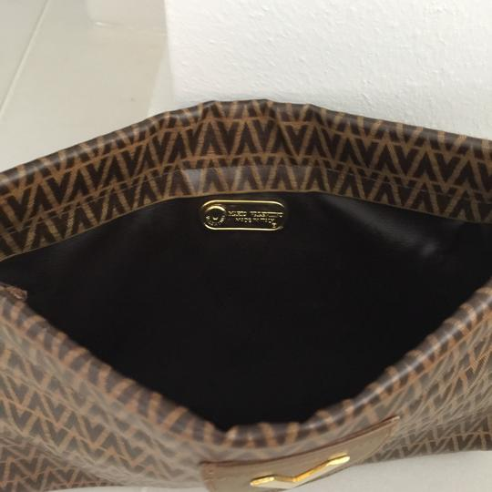 Valentino Light Brown With Dark Brown V Clutch Image 4