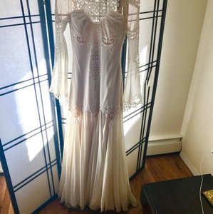 Pnina Tornai Cream Vintage Wedding Dress Size 4 (S)