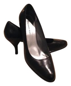 Etienne Aigner Blackleather Lowerheight Classic Style Black Pumps