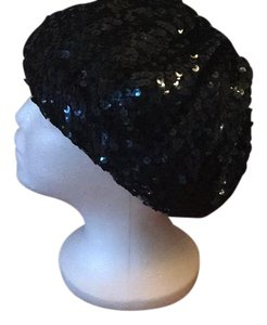 Other navy sequin beret and silver coin purse keychain