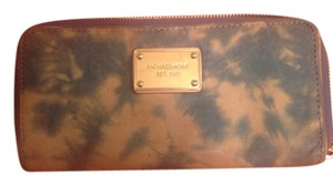 Michael Kors Wristlet in Blue tye dye