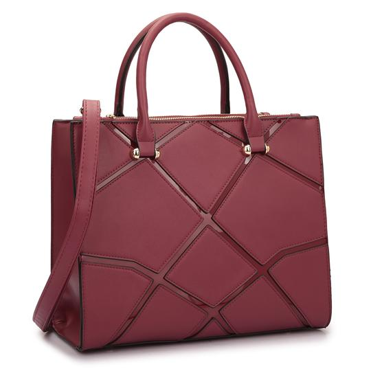Preload https://img-static.tradesy.com/item/20307937/classic-with-front-crosshatch-patch-design-burgundy-saffiano-faux-leather-satchel-0-0-540-540.jpg