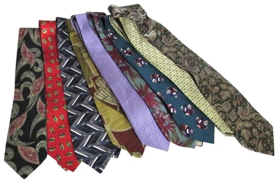 Preload https://img-static.tradesy.com/item/20308159/colorful-conservative-bold-vintage-new-men-s-wholesale-lot-of-50-silk-and-other-variety-neckties-0-1-540-540.jpg