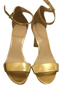 Calvin Klein Wedge Tstrap Gold Sandals