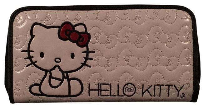 Item - White and Black Wallet