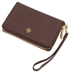 Tory Burch 31149281 Wristlet in Dark Walnut
