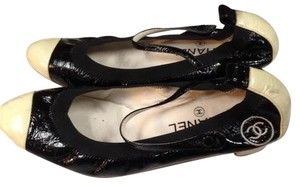 Chanel Sz 39 Ballerina Flats Patent Mary Jane Cap Two Tone Strap Pumps