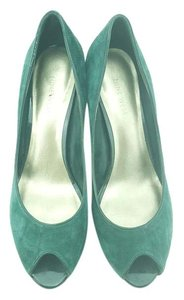 Nine West Peep Toe Green Suede Peep Toe Party Hunter Green Pumps